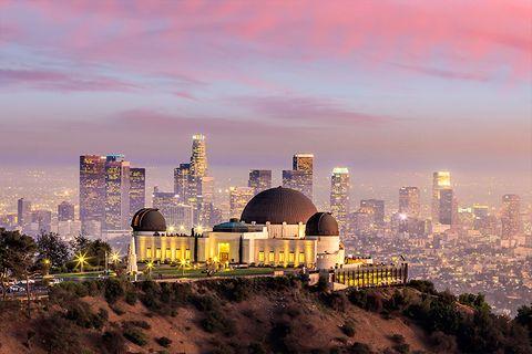 Cityscape, City, Metropolitan area, Skyline, Urban area, Sky, Landmark, Human settlement, Daytime, Metropolis,