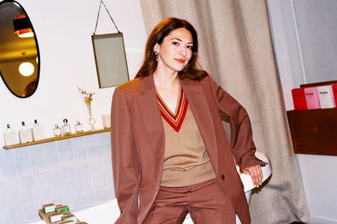 Clothing, Outerwear, Orange, Fashion, Blazer, Overcoat, Jacket, Coat, Street fashion, Neck,