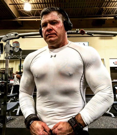 Shoulder, Joint, Chest, Muscle, Wrist, Trunk, Tattoo, Abdomen, Watch, Stomach,