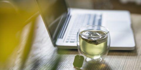 Fluid, Serveware, Drink, Drinkware, Tableware, Liquid, Glass, Ingredient, Alcoholic beverage, Distilled beverage,