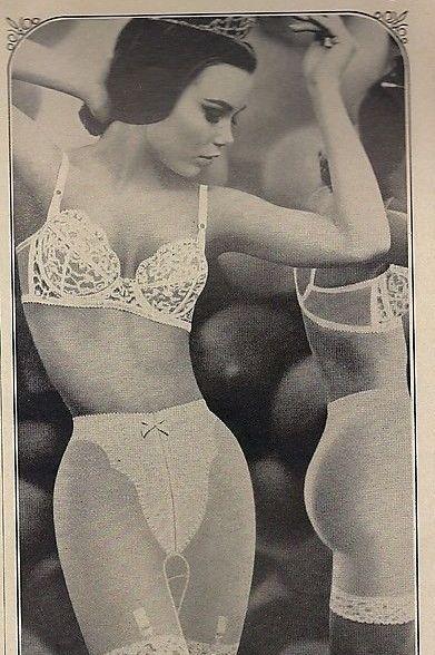 Clothing, Undergarment, Abdomen, Undergarment, Lingerie, Brassiere, Joint, Girdle, Retro style, Trunk,