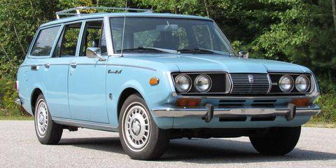 Land vehicle, Vehicle, Car, Regularity rally, Classic car, Sedan, Family car, Coupé, City car,