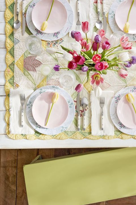 Table Decoration Ideas For 60Th Birthday Party from hips.hearstapps.com