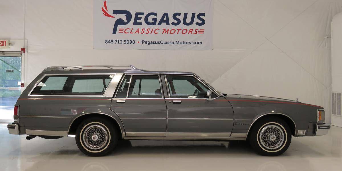 You Must Buy This 1990 Oldsmobile Custom Cruiser