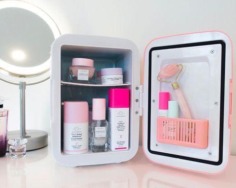 Mini nevera para cosméticos
