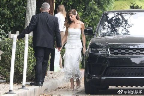 Photograph, Vehicle, Car, Luxury vehicle, Sport utility vehicle, Dress, Range rover, Automotive design, Ceremony, Photography,