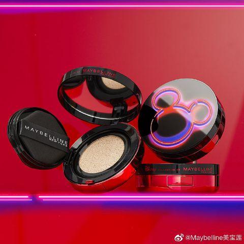 Eye shadow, Pink, Eye, Cosmetics, Face powder, Material property, Magenta,