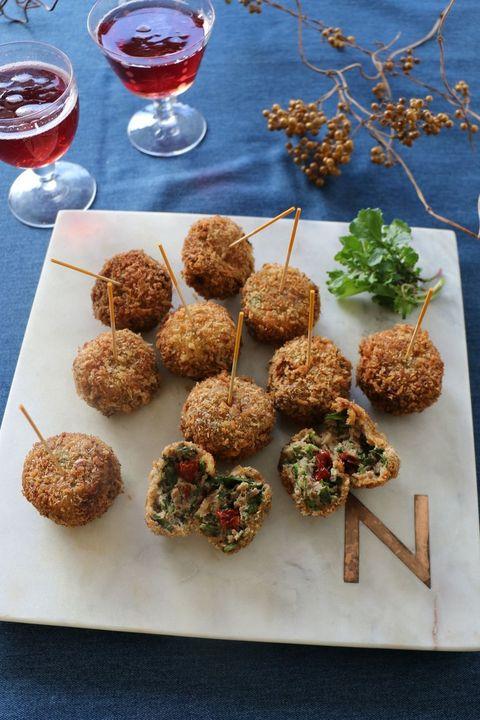 Dish, Food, Cuisine, Ingredient, Meatball, Falafel, Kofta, Arancini, Fried food, Cutlet,