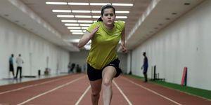 """La paralímpica brasileña de la categoría """"T38"""", Verónica Hipólito durante su entrenamiento en el Centro Paralímpico Brasileño en Sao Paulo"""