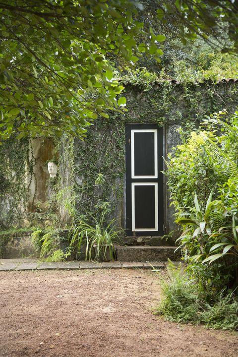 Geoffrey Bawa, a Tropical Modernist on display in Rome