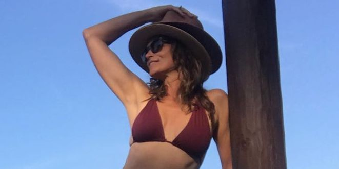 Cindy Crawford, 53, Shows Off Incredibly Toned Abs In Bikini Photo