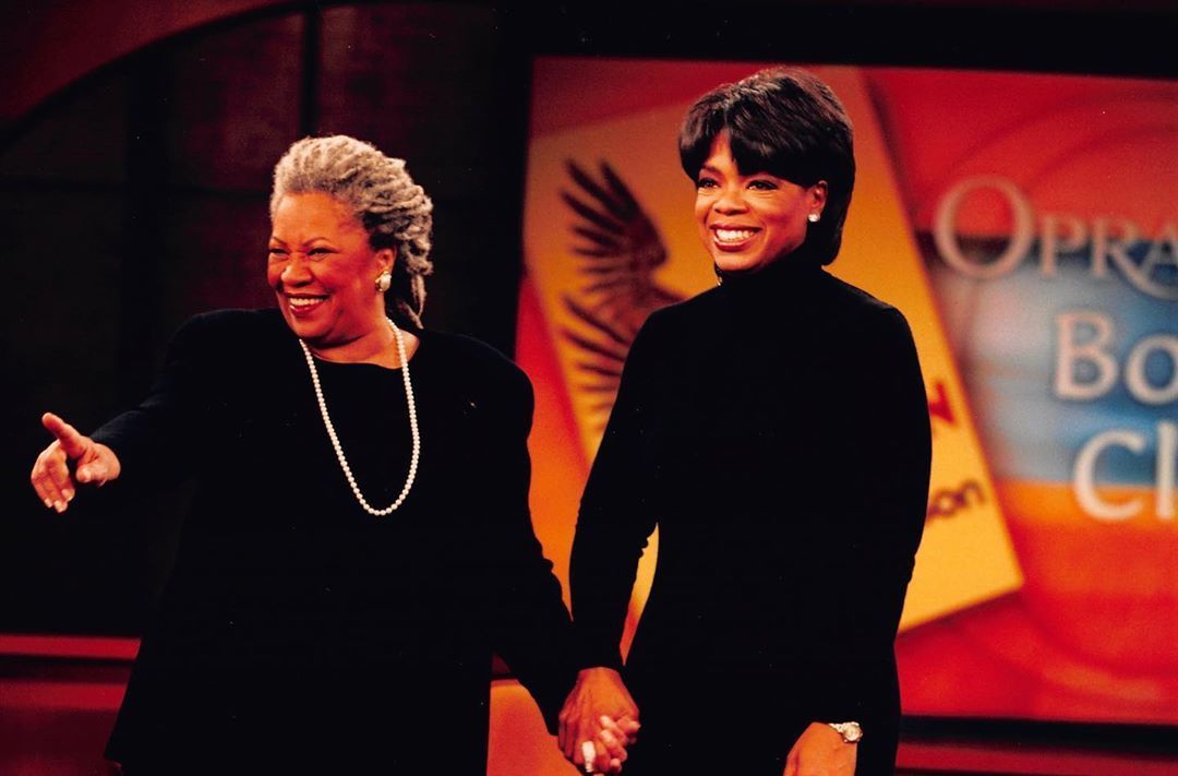 """Oprah Delivers a Moving Speech at Toni Morrison's Memorial Service: """"She Urges Us to Keep Going"""""""