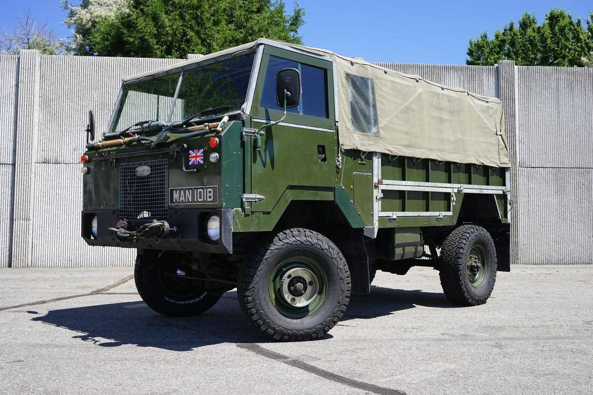 This Military Land Rover Truck Is a Refurbished Blast From the Past