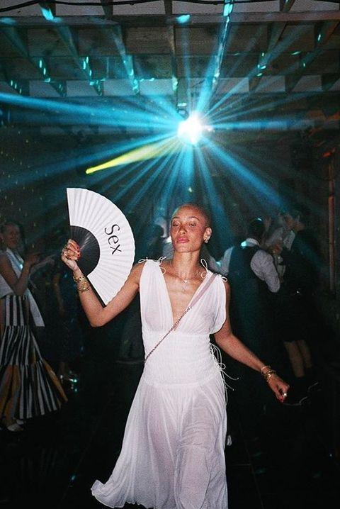 adwoa aboah, folding fan, white, dress