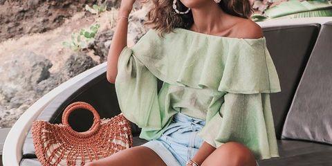 shopping tops y blusas a todo color que potencian tu moreno