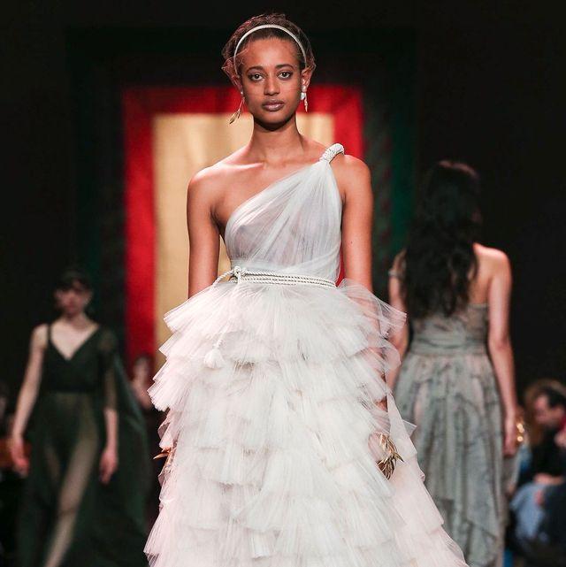 Fashion model, Gown, Dress, Fashion show, Fashion, Clothing, Wedding dress, Haute couture, Runway, Event,