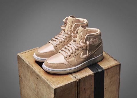 Shoe, Footwear, Sneakers, Product, Brown, Walking shoe, Beige, Outdoor shoe, Hiking boot, Sportswear,