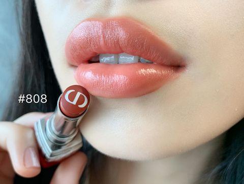 Lip, Cheek, Skin, Red, Lipstick, Pink, Lip gloss, Beauty, Chin, Cosmetics,