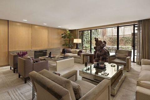 marc jacobs出售紐約4億透天豪宅!奢華木質更衣間、愜意戶外庭院,展現時髦品味!