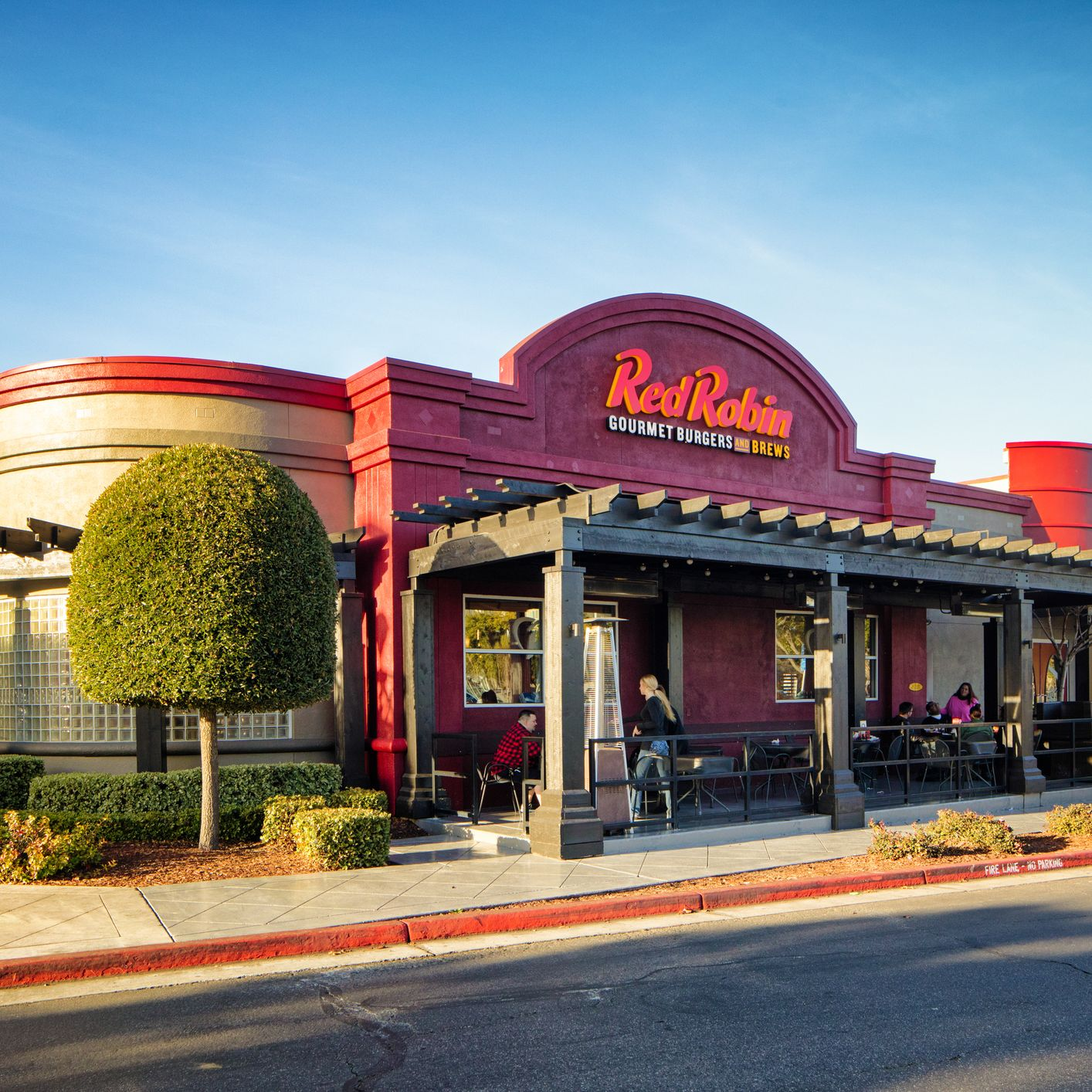 Red Robin Actually Has Healthy Food—if You Know How to Order