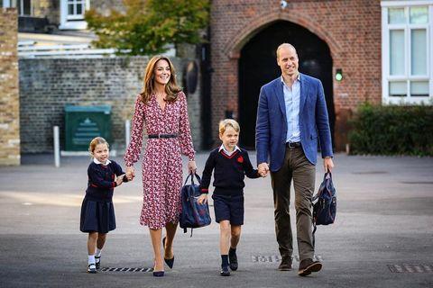 威廉王子一家陪著夏綠蒂公主上學