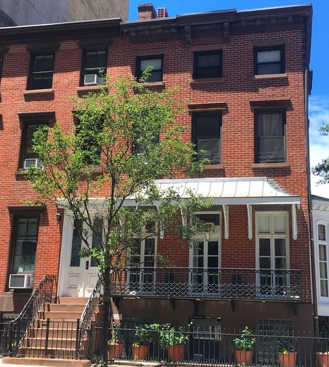 elsie de wolfe's former home, the washington irving house, which is located at irving place and east 17th street in new york city