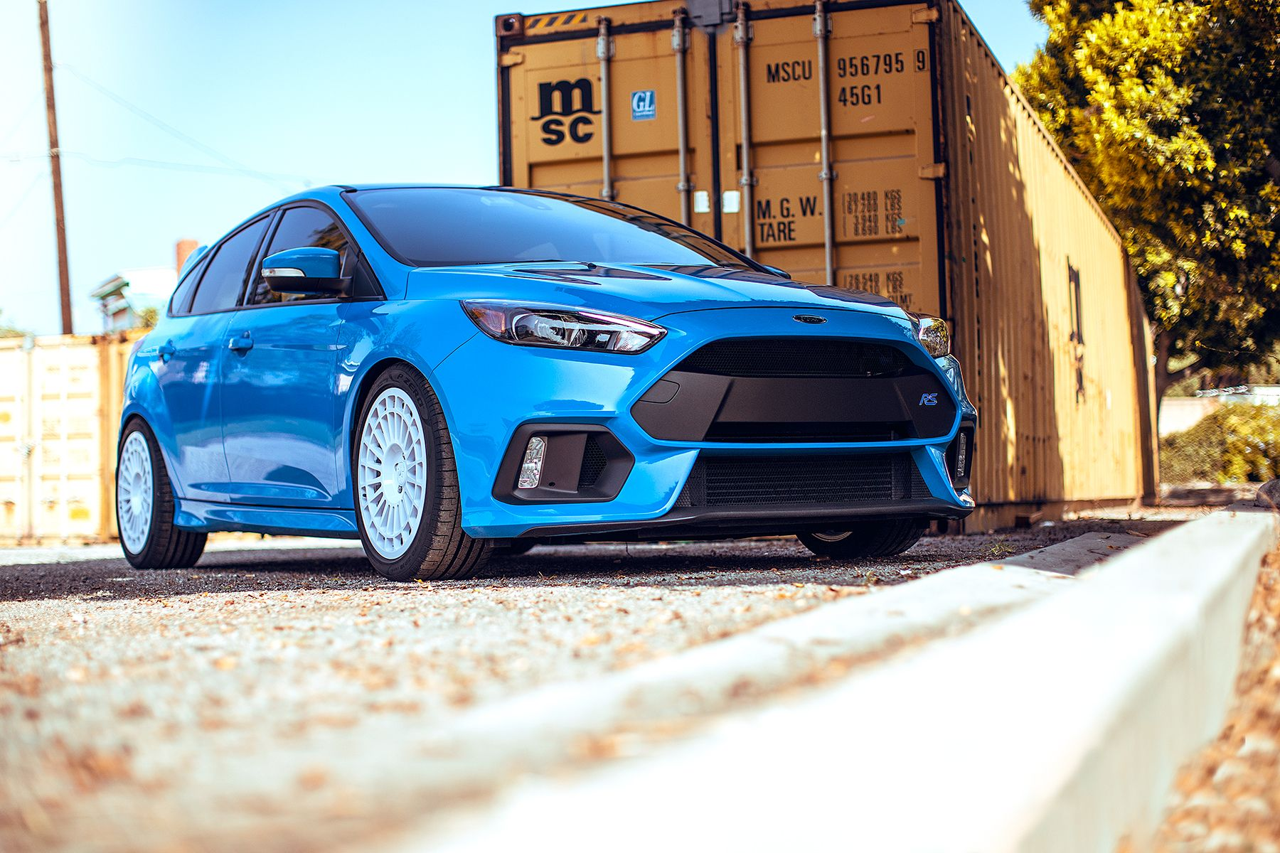 How many 2016 focus rs will be made