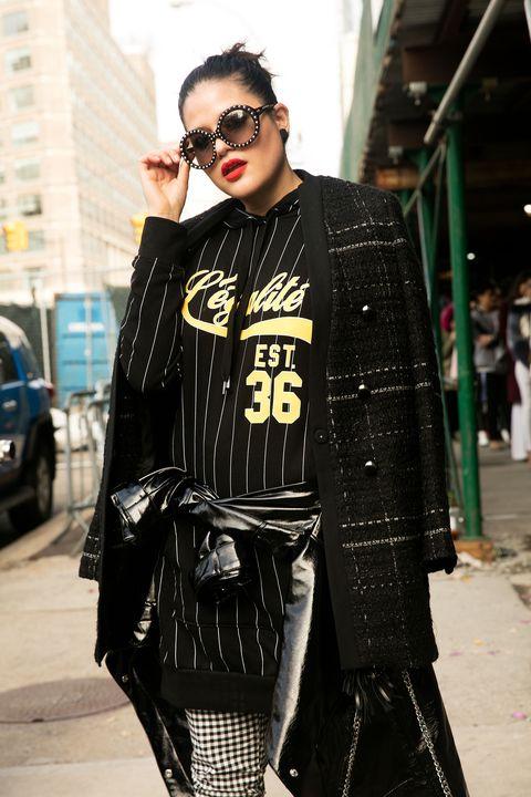 Street fashion, Eyewear, Clothing, Fashion, Cool, Sunglasses, Outerwear, Street, Fashion design, Glasses,