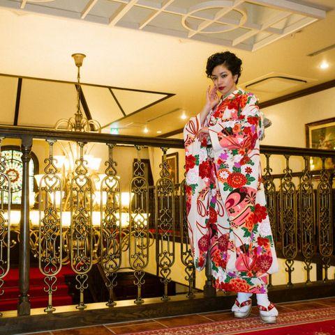 Costume, Kimono, Tradition, Red carpet, Textile, Event, Ceremony, Flooring,