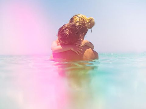Liquid, Fluid, People in nature, Sunlight, Vacation, Back, Reflection, Love, Brown hair, Holiday,