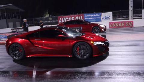 Acura NSX Tesla Model S drag race