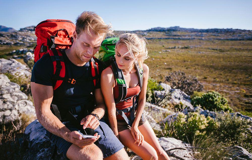 dating hiking