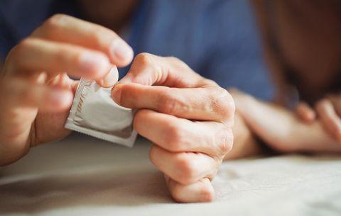 condoms preventsti mycoplasma genitalium