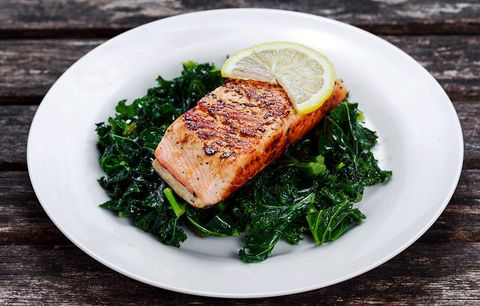 KALE SALAD WITH SALMON AND AVOCADO
