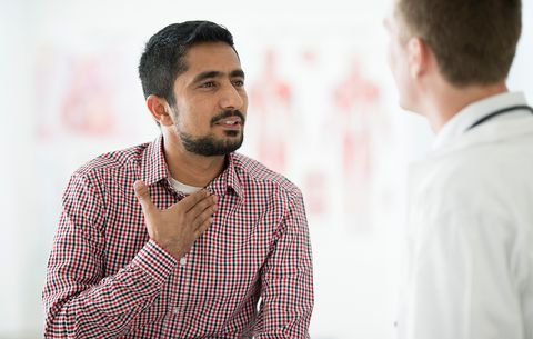 6 Lung Cancer Symptoms In Men - Signs Of Lung Cancer - Men's