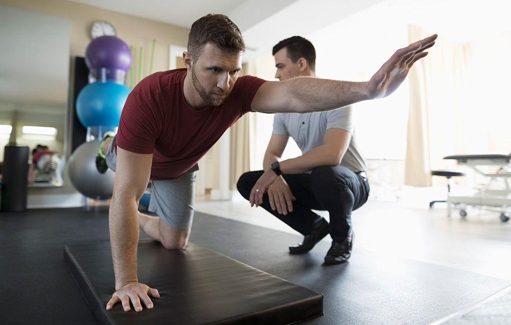 1. Der Personal Trainer fragt nicht nach Verletzungen