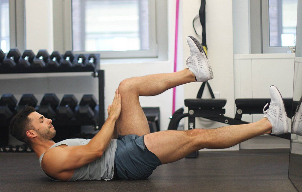 7 Ab Strengthening Moves You Can Perform With Back Pain