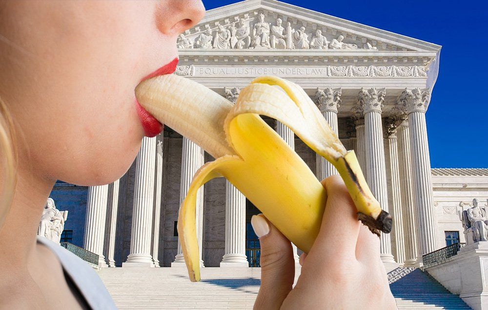 Woman Stupidly Films Her Oral Sex Act In Courthouse
