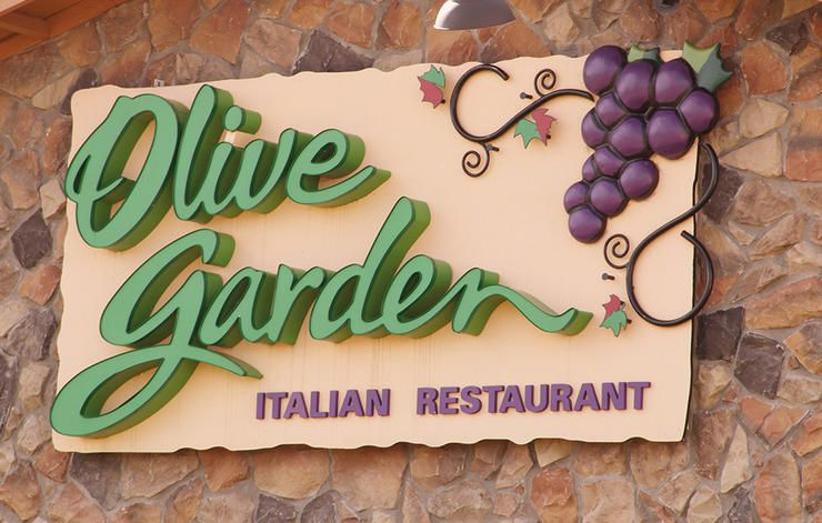 The 8 Healthiest Dishes At Olive Garden | Men\'s Health