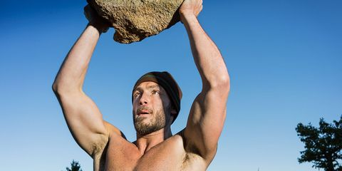 This Army Vet's Outdoor Workout Requires Only One Tool to Transform Your Body
