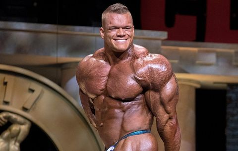 Bodybuilder Dallas Mccarver Dies After Reportedly Choking On Food