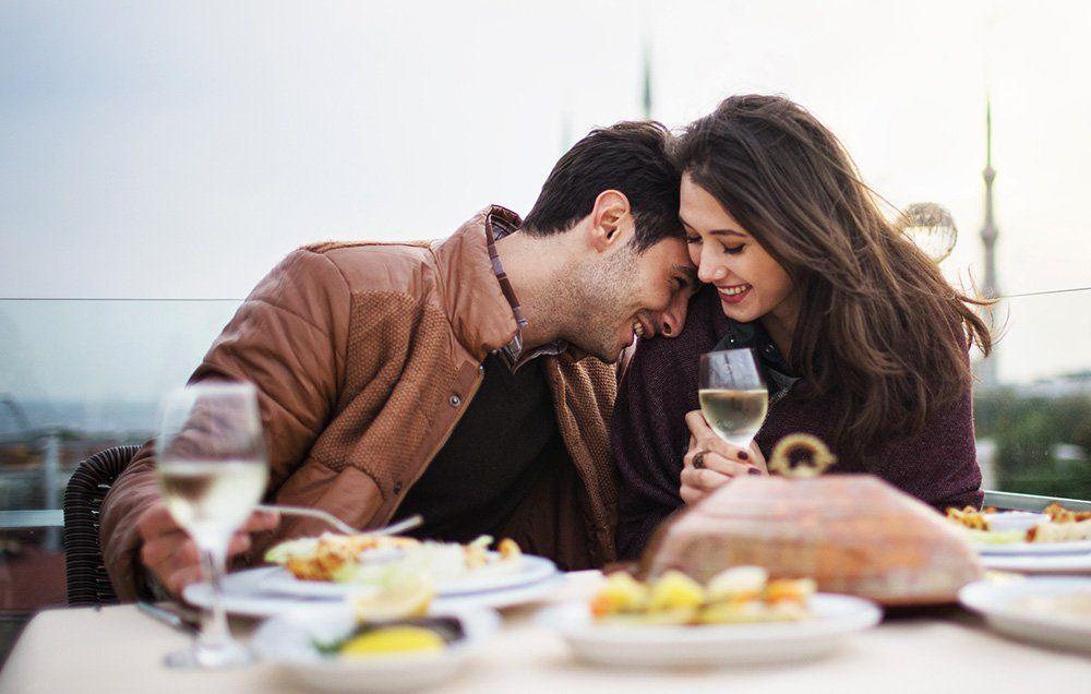 Hasil gambar untuk dinner dating