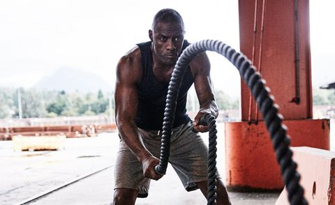 idris elba with battle ropes