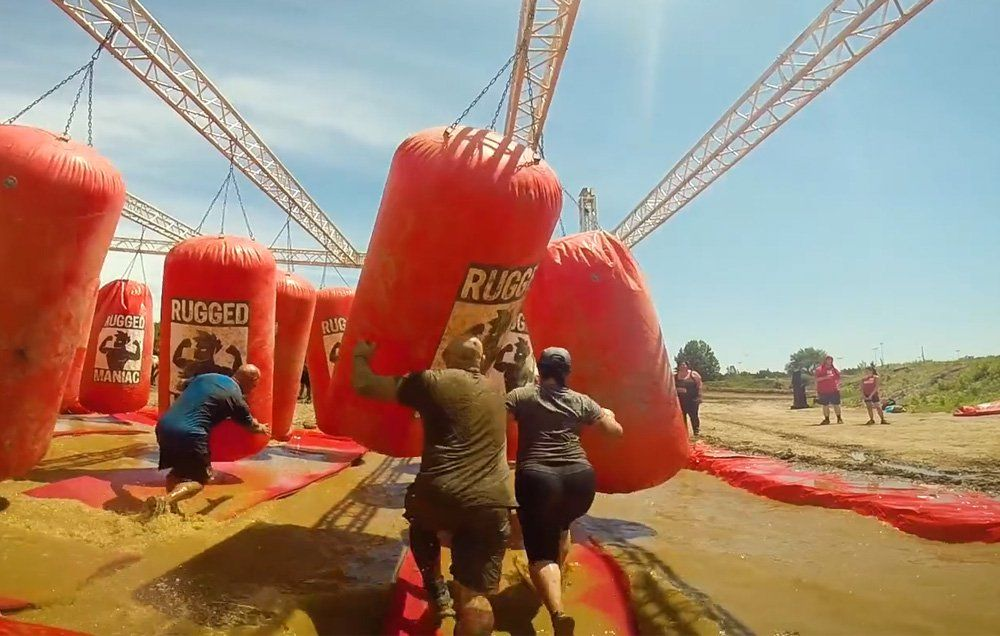 What It S Like To Run A Rugged Maniac Obstacle Course Race Men Health
