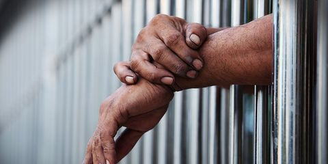 judge offers inmates reduced jail time for vasectomy