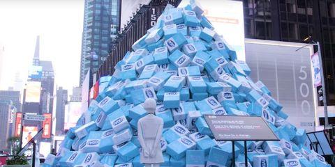 KIND Bar sugar display in Times Square