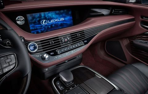 Lexus Doesn T Slow Down On Giving You New Little Details Every Time Take Another Look At The Ls 500 From Way Light Shines And Casts A