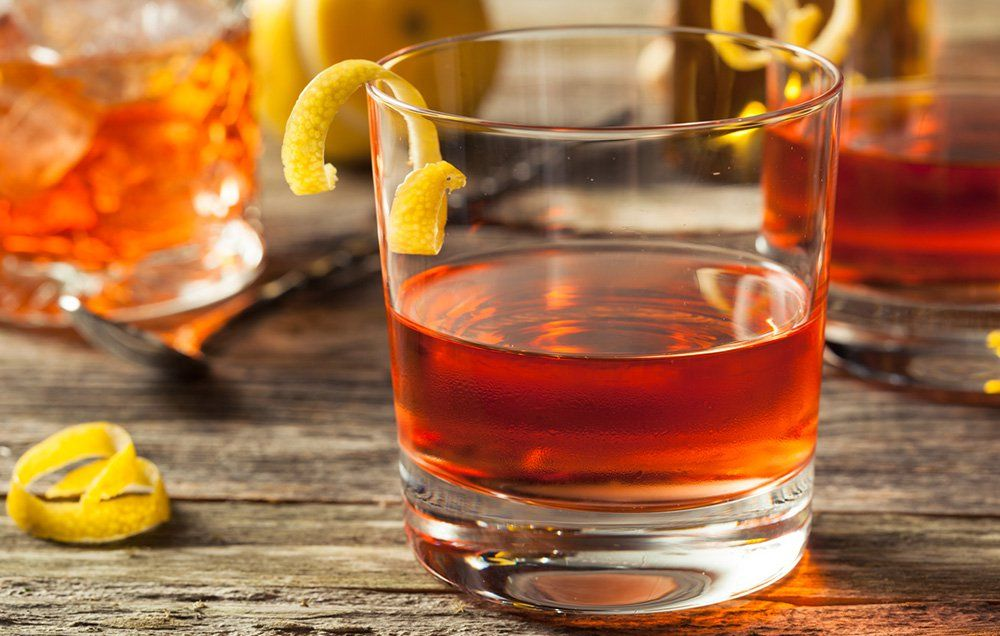 10 Cocktails Every Man Should Know How to Make
