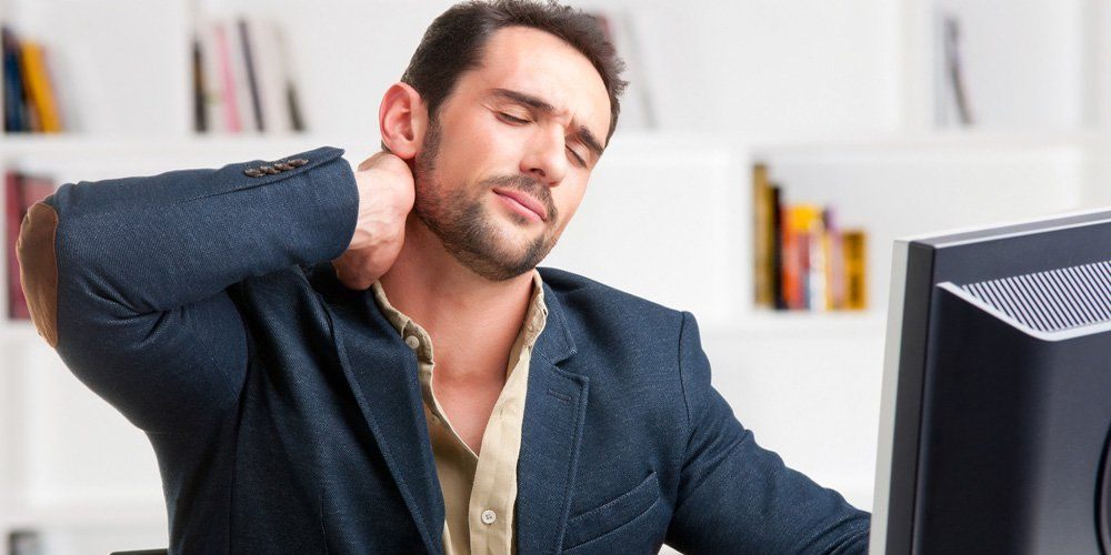 5 Surprising Reasons Why Your Neck Hurts