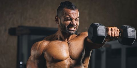 shoulder pain when lifting